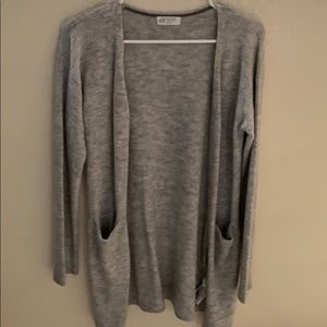 H&M gray cardigan with pockets!